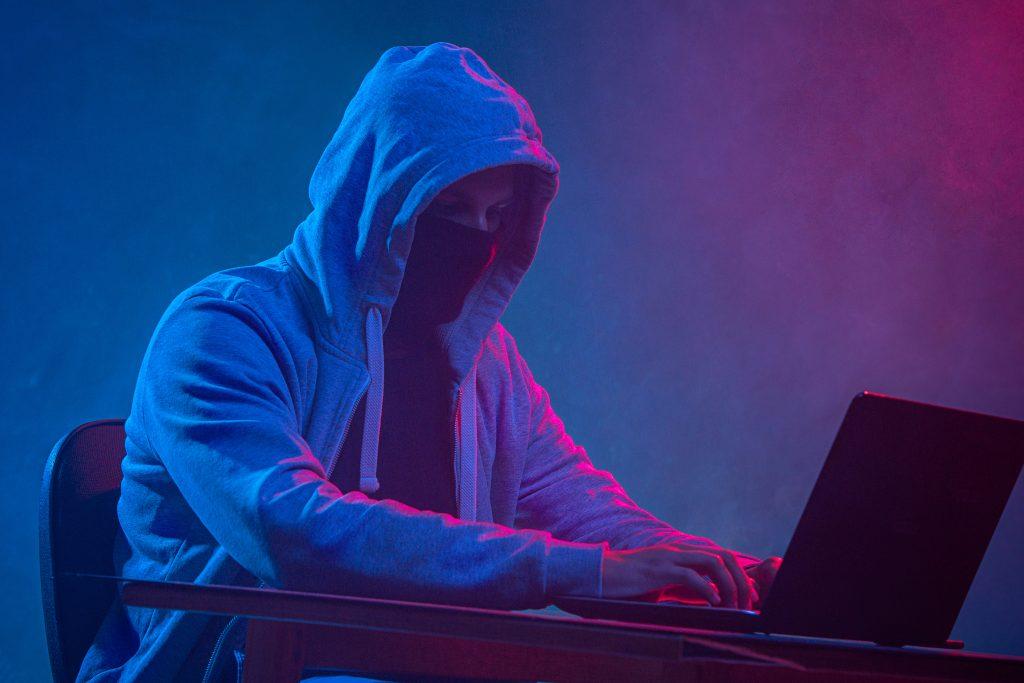 Lập trình viên đôi lúc bị lầm tưởng là làm hacker